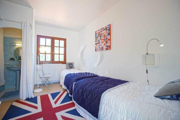 location-vacances-biarritz-villa-mitoyenne-proche-plage-cavalier-anglet-terrasse-barbecue-024