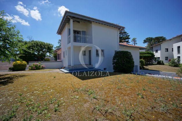 location-vacances-biarritz-villa-mitoyenne-proche-plage-cavalier-anglet-terrasse-barbecue-031