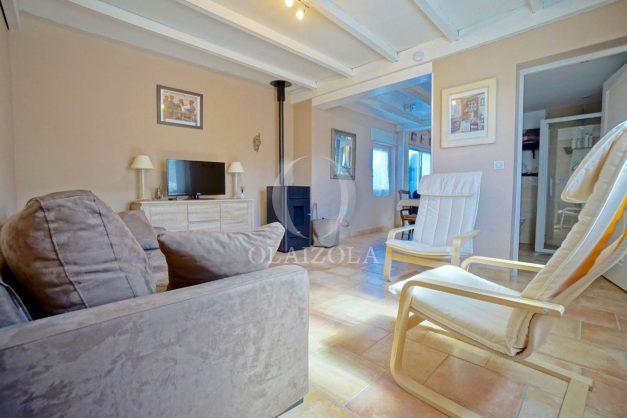 location-vacances-bidart-T2-terrasse-jardin-plages-a-pied-ensoleillee-008
