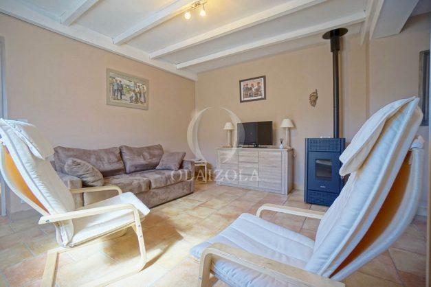 location-vacances-bidart-T2-terrasse-jardin-plages-a-pied-ensoleillee-009