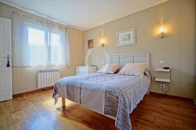 location-vacances-bidart-T2-terrasse-jardin-plages-a-pied-ensoleillee-014
