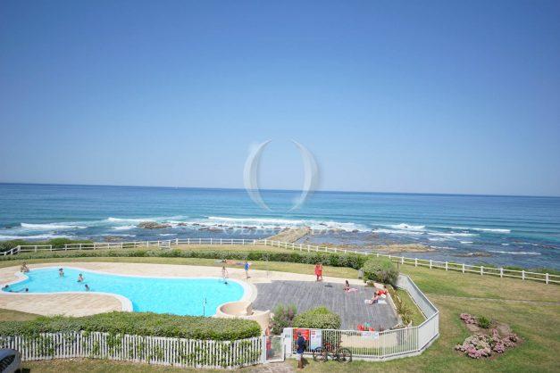 location-vacance-biarritz-appartement-t2-pieds-dans-l-eau-plage-a-pied-piscine-marbella-tennis-005