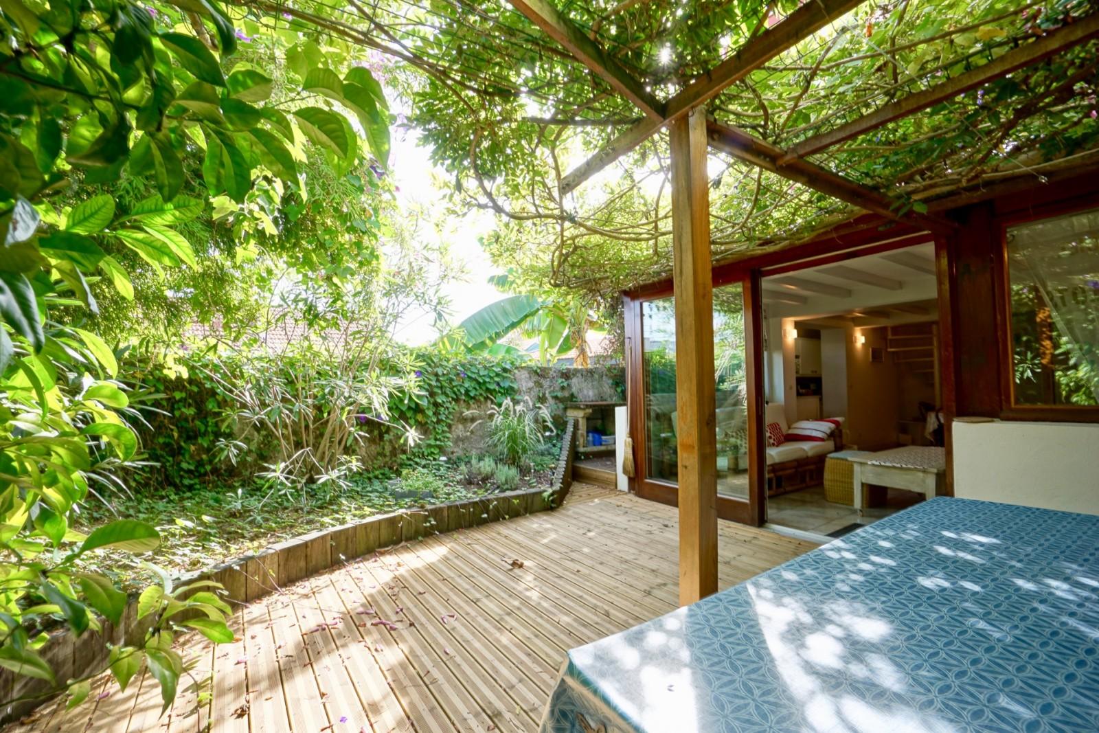 un petit coin de paradis agence olaizola location saisonni re de vacances biarritz et sur. Black Bedroom Furniture Sets. Home Design Ideas