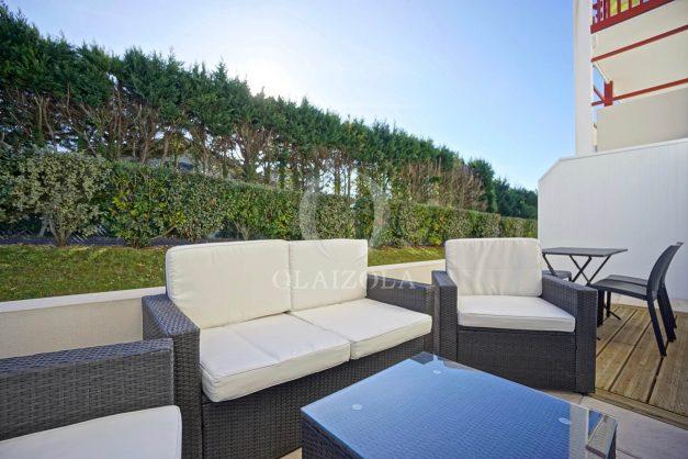 location-vacances-saint-jean-de-luz-acotz-lafitenia-plage-vague-terrasse-parking-plein-sud-2021-004