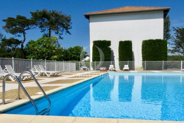 location-vacances-saint-jean-de-luz-acotz-lafitenia-plage-vague-terrasse-parking-plein-sud-2021-021