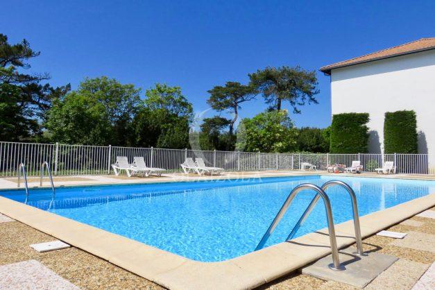 location-vacances-saint-jean-de-luz-acotz-lafitenia-plage-vague-terrasse-parking-plein-sud-2021-022