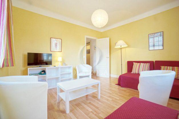 location-vacances-biarritz-appartement-2-chambres-quartier-saint-charles-plage-centre-ville-ideal-groupe-d-amis-commerce-003