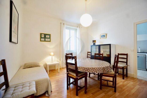 location-vacances-biarritz-appartement-2-chambres-quartier-saint-charles-plage-centre-ville-ideal-groupe-d-amis-commerce-005