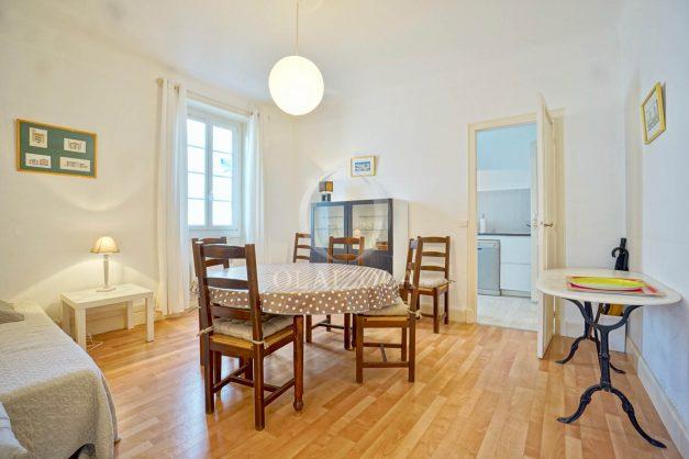 location-vacances-biarritz-appartement-2-chambres-quartier-saint-charles-plage-centre-ville-ideal-groupe-d-amis-commerce-006
