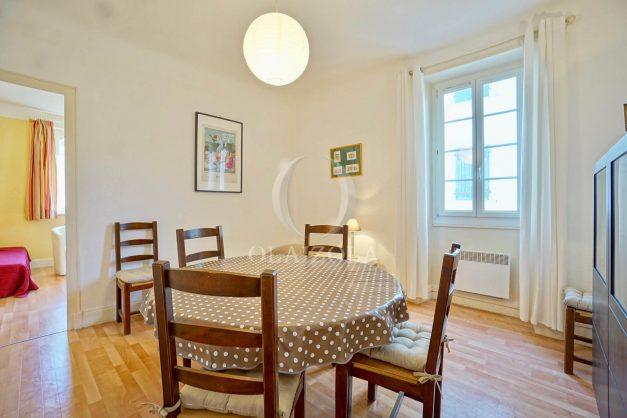 location-vacances-biarritz-appartement-2-chambres-quartier-saint-charles-plage-centre-ville-ideal-groupe-d-amis-commerce-008