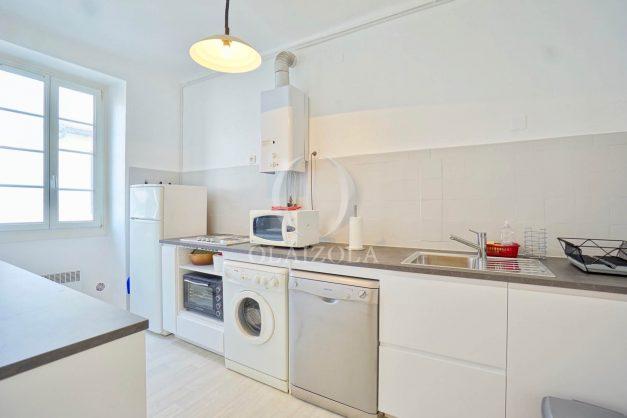 location-vacances-biarritz-appartement-2-chambres-quartier-saint-charles-plage-centre-ville-ideal-groupe-d-amis-commerce-009
