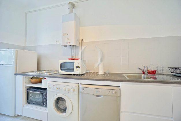 location-vacances-biarritz-appartement-2-chambres-quartier-saint-charles-plage-centre-ville-ideal-groupe-d-amis-commerce-012