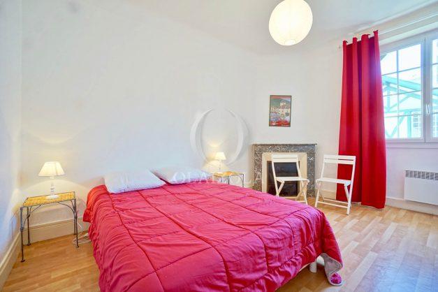 location-vacances-biarritz-appartement-2-chambres-quartier-saint-charles-plage-centre-ville-ideal-groupe-d-amis-commerce-015