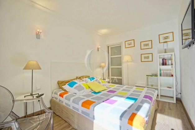 location-vacances-biarritz-place-clemenceau-bord-de-mer-biarritz-location-vacances-biarritz-appartement-neuf-balcon-parking-indigo-plage-a-pied-014