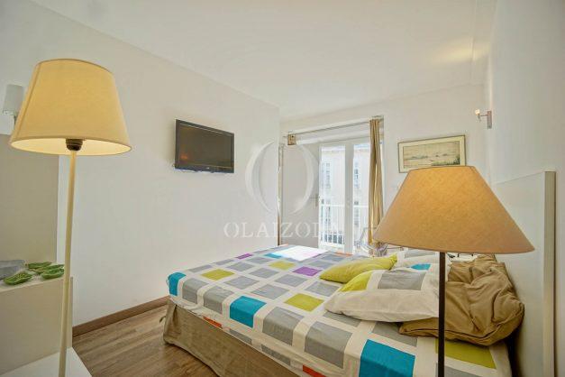 location-vacances-biarritz-place-clemenceau-bord-de-mer-biarritz-location-vacances-biarritz-appartement-neuf-balcon-parking-indigo-plage-a-pied-016