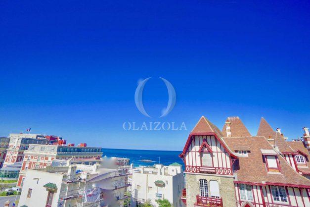 location-vacances-biarritz-appartement-standing-centre-ville-plages-balcons-parking-vue-mer-cyrano-palais-palace-miramar-plage-a-pied-005