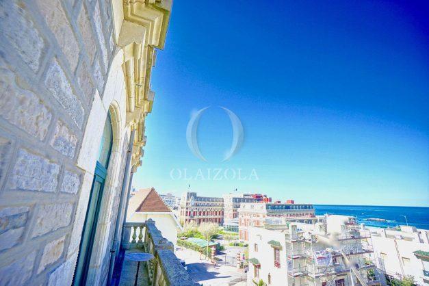 location-vacances-biarritz-appartement-standing-centre-ville-plages-balcons-parking-vue-mer-cyrano-palais-palace-miramar-plage-a-pied-006
