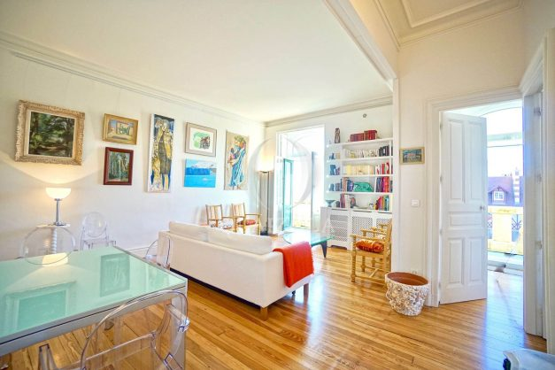 location-vacances-biarritz-appartement-standing-centre-ville-plages-balcons-parking-vue-mer-cyrano-palais-palace-miramar-plage-a-pied-008