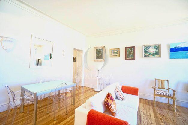 location-vacances-biarritz-appartement-standing-centre-ville-plages-balcons-parking-vue-mer-cyrano-palais-palace-miramar-plage-a-pied-014