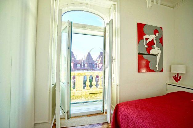 location-vacances-biarritz-appartement-standing-centre-ville-plages-balcons-parking-vue-mer-cyrano-palais-palace-miramar-plage-a-pied-021