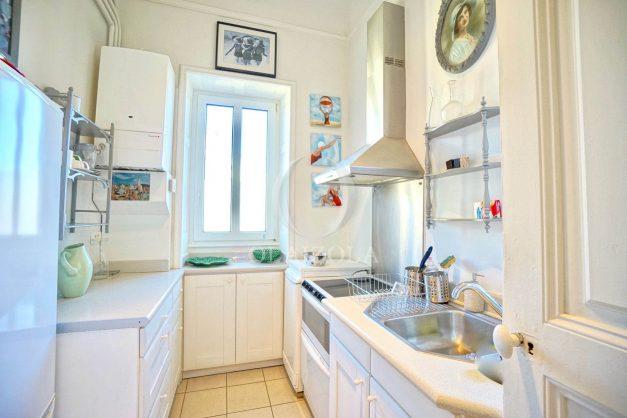 location-vacances-biarritz-appartement-standing-centre-ville-plages-balcons-parking-vue-mer-cyrano-palais-palace-miramar-plage-a-pied-025