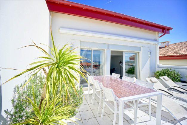 location-vacances-biarritz-vue-mer-appartement-maison-duplex-terrasse-plein-sud-ensoleillee-garage-007