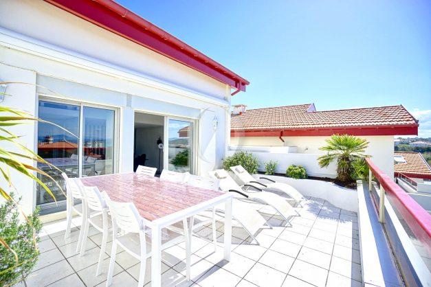 location-vacances-biarritz-vue-mer-appartement-maison-duplex-terrasse-plein-sud-ensoleillee-garage-008