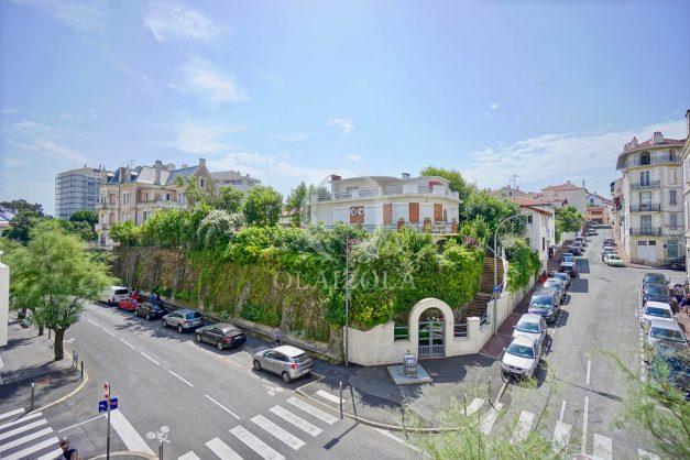location-vacances-biarritz-appartement-3pieces-centre-ville-balcon-parking-tout-a-pied-2eme-ascenseur-005