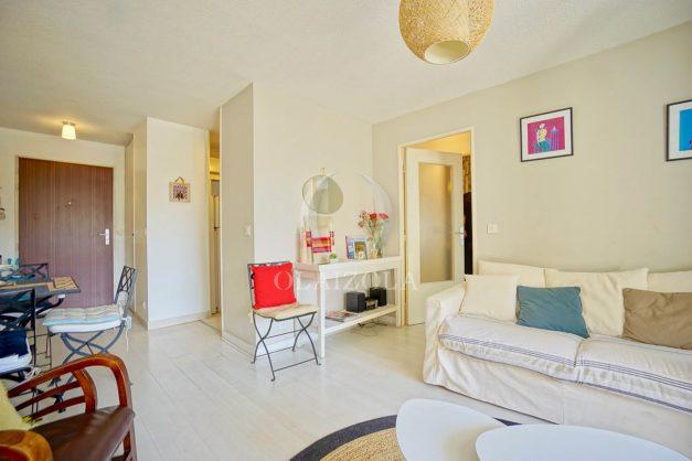 location-vacances-biarritz-appartement-3pieces-centre-ville-balcon-parking-tout-a-pied-2eme-ascenseur-008