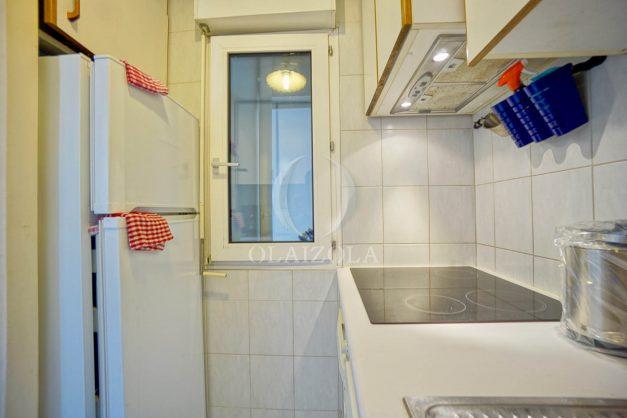 location-vacances-biarritz-appartement-3pieces-centre-ville-balcon-parking-tout-a-pied-2eme-ascenseur-012