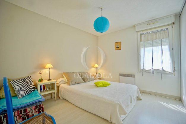 location-vacances-biarritz-appartement-3pieces-centre-ville-balcon-parking-tout-a-pied-2eme-ascenseur-013