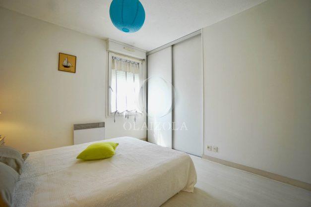 location-vacances-biarritz-appartement-3pieces-centre-ville-balcon-parking-tout-a-pied-2eme-ascenseur-015