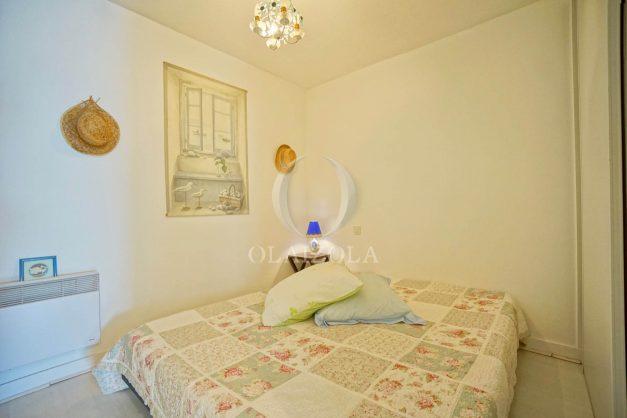 location-vacances-biarritz-appartement-3pieces-centre-ville-balcon-parking-tout-a-pied-2eme-ascenseur-016