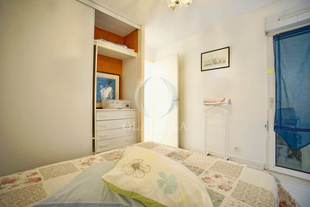 location-vacances-biarritz-appartement-3pieces-centre-ville-balcon-parking-tout-a-pied-2eme-ascenseur-018