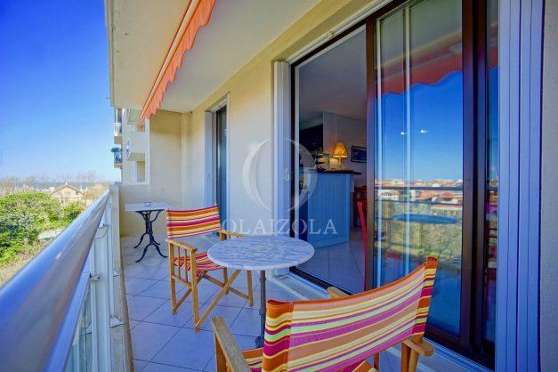 location-vacances-biarritz-appartement-vu-mer-haut-de-biarritz-parking-balcon-centre-ville-calme-001