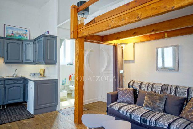 location-vacances-biarritz-studio-centre-ville-pas-cher-proche-halles-plage-et-commerce-a-pied-002