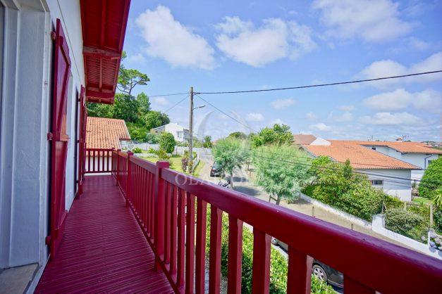 location-vacances-bidart-appartement-roserai-3pieces-balcon-parking-proche-plage-003