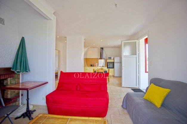 location-vacances-bidart-appartement-roserai-3pieces-balcon-parking-proche-plage-011