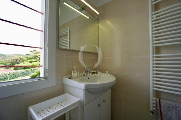 location-vacances-bidart-appartement-roserai-3pieces-balcon-parking-proche-plage-025