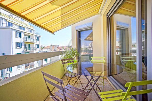 location-vacances-biarritz-appartement-coeur-de-ville-parking-terrasse-plage-a-pied-verdun-ensoleillee-vue-magnifique-001