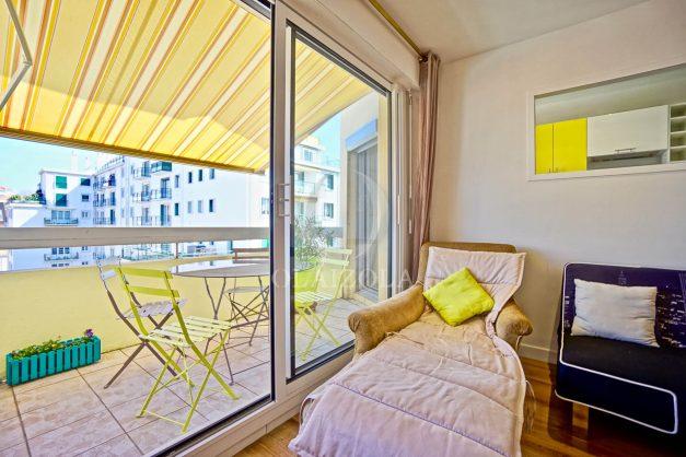 location-vacances-biarritz-appartement-coeur-de-ville-parking-terrasse-plage-a-pied-verdun-ensoleillee-vue-magnifique-005