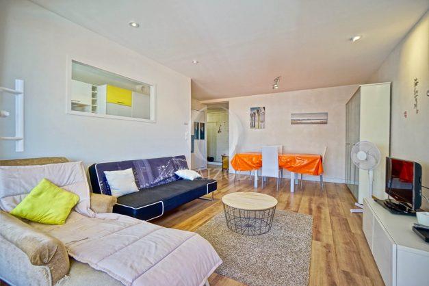location-vacances-biarritz-appartement-coeur-de-ville-parking-terrasse-plage-a-pied-verdun-ensoleillee-vue-magnifique-007