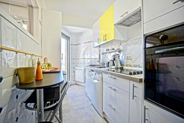 location-vacances-biarritz-appartement-coeur-de-ville-parking-terrasse-plage-a-pied-verdun-ensoleillee-vue-magnifique-010