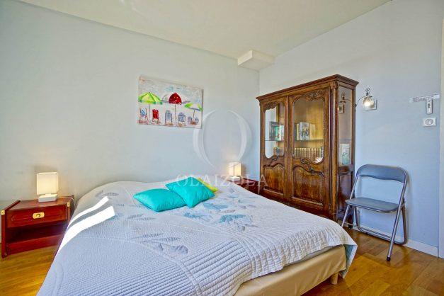 location-vacances-biarritz-appartement-coeur-de-ville-parking-terrasse-plage-a-pied-verdun-ensoleillee-vue-magnifique-014
