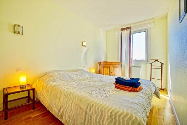 location-vacances-biarritz-appartement-coeur-de-ville-parking-terrasse-plage-a-pied-verdun-ensoleillee-vue-magnifique-016