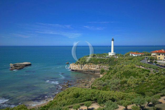 location-vacances-biarritz-appartement-vue-mer-dernier-etage-regina-miramar-parking-004