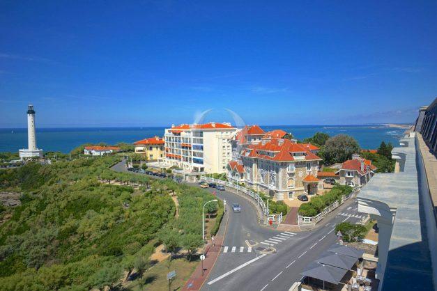 location-vacances-biarritz-appartement-vue-mer-dernier-etage-regina-miramar-parking-005
