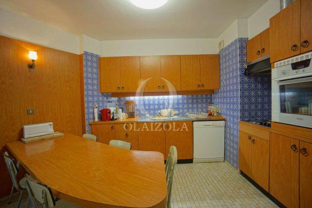 location-vacances-biarritz-appartement-vue-mer-dernier-etage-regina-miramar-parking-024
