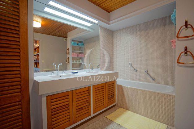 location-vacances-biarritz-appartement-vue-mer-dernier-etage-regina-miramar-parking-031