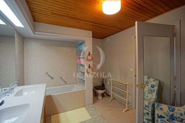 location-vacances-biarritz-appartement-vue-mer-dernier-etage-regina-miramar-parking-032